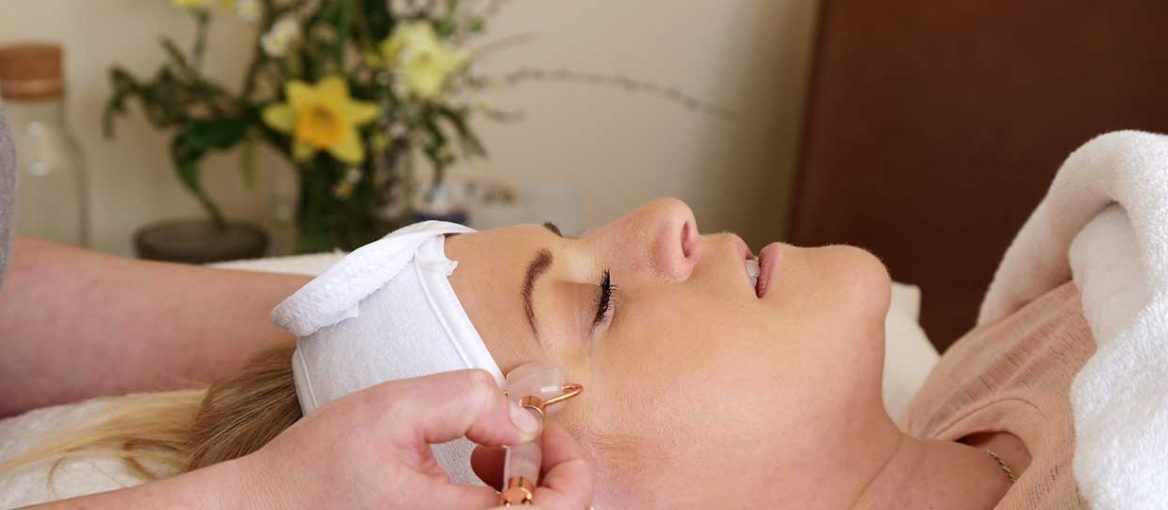 Facial roller therapy